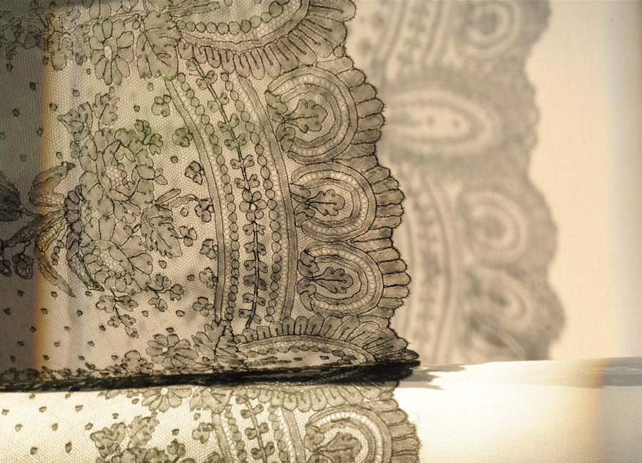 Bayeux lace
